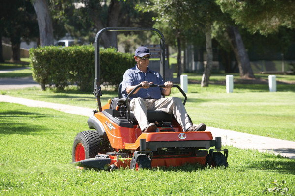 Kubota | Zero-Turn Mowers | ZG300 Series for sale at Grower's Equipment, South Florida
