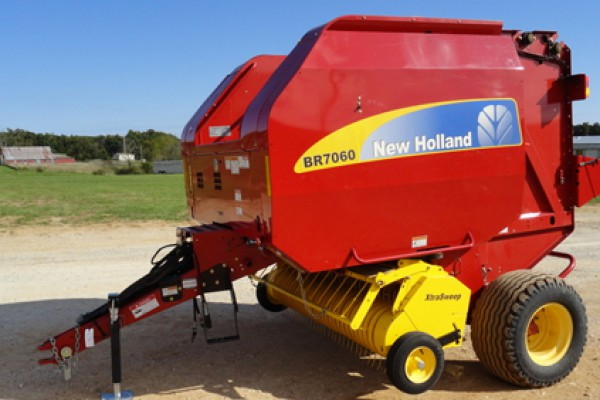 New Holland AG | Roll-Belt Round Balers | Model BR7060 (PRIOR MODEL) for sale at Grower's Equipment, South Florida